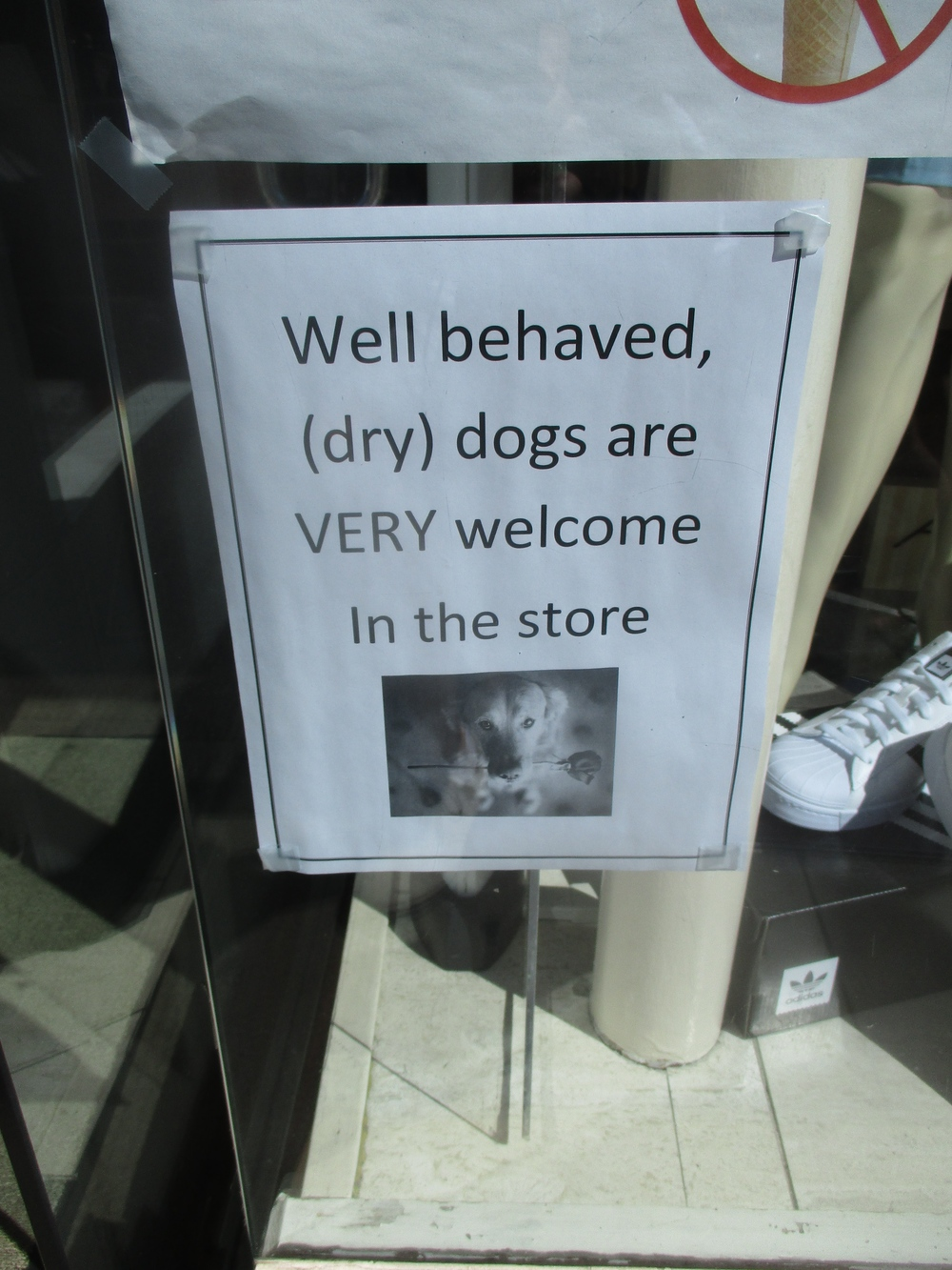 Here we have a different sort of Canine Admonition, but Etiquetteer has to wonder how successful it is.