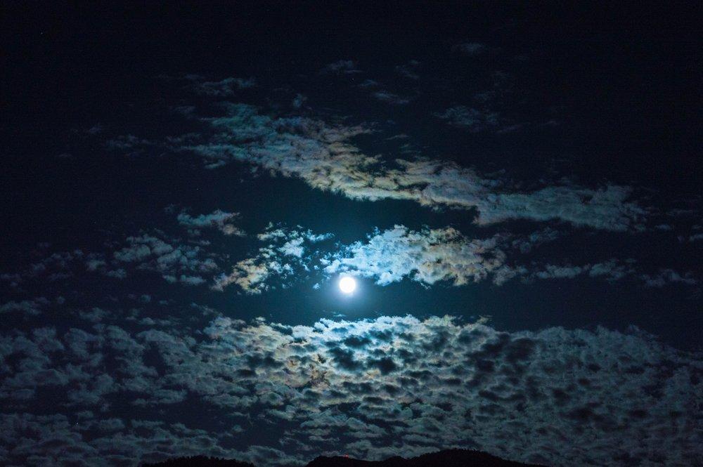 clouds-dark-moon-577289.jpg