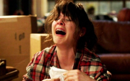 new-girl-zooey-deschanel-ugly-crying.jpg