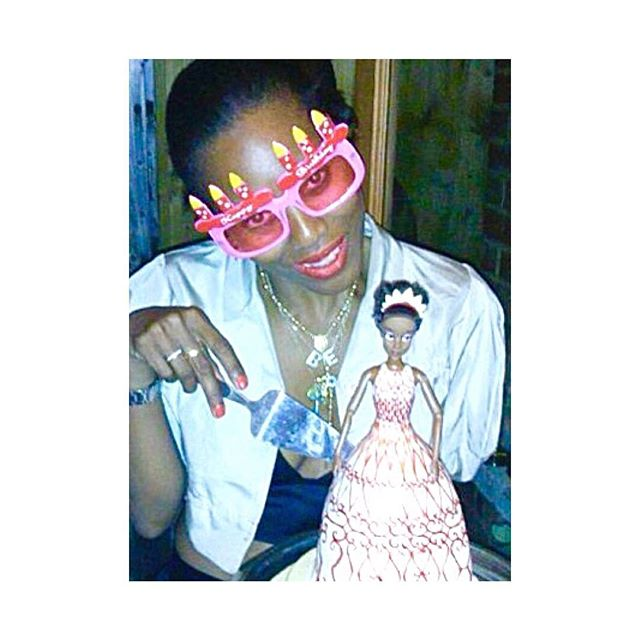 #tbt 🎂It's that time of year 🎂#27again🎂#cancerseason 🦀♋️🦀 HAPPY BIRTHDAY TO ME🎂💝👩🏾💖🎂🎉🎈🎂 🎁💝🛍🎂🎈🎉 . . . #happybirthday #birthday #cake #fun #laughter.# #love #family #friends