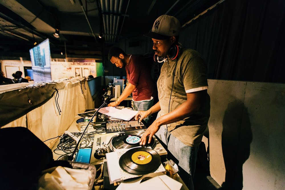 Live DJ and Beats by Andre Mayes & Lateef Dameer / photo: Shun Takino