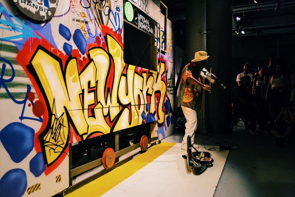 graffiti by URNewYork with Ngoma Hill performing / photo: Shun Takino