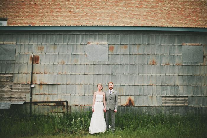 vintage wedding, bride and groom, diy wedding, lethbridge wedding photographer, calgary wedding photographer