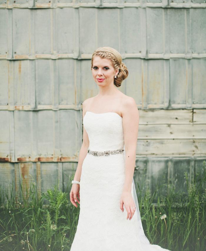 vintage bride, vintage wedding dress, lethbridge wedding photographer, calgary wedding photographer