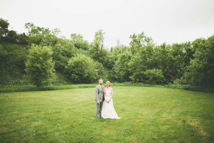 vintage wedding, vintage bride, portrait in a field, lethbridge wedding photographer, calgary wedding photographer