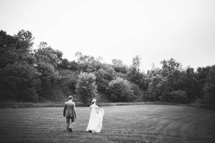 vintage wedding, vintage bride, field, lethbridge wedding photographer, calgary wedding photographer