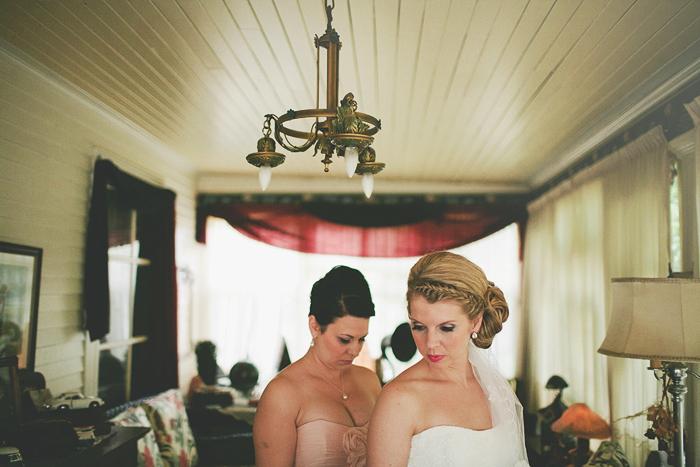 vintage wedding, vintage bride, bride getting ready, lethbridge wedding photographer, calgary wedding photographer