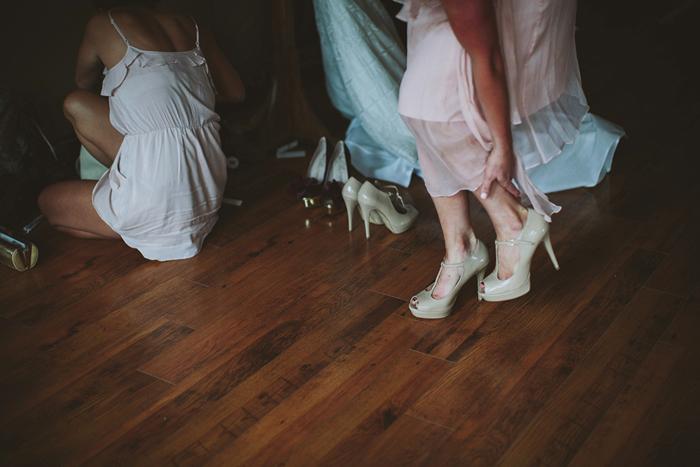 bride getting ready, saskatoon farm wedding, calgary wedding photographer