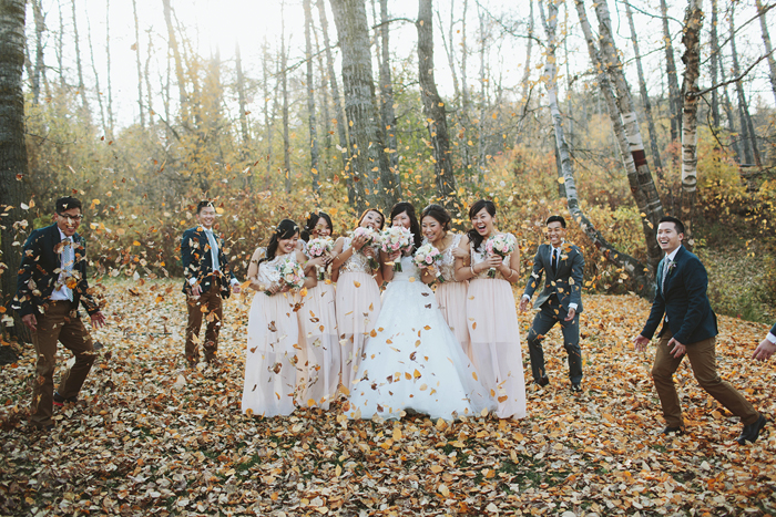 chinese wedding, fall wedding, leaves, wedding party, calgary wedding photorapher