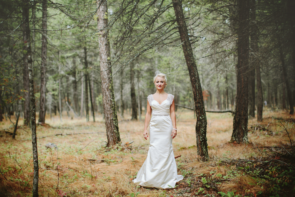 mountain wedding, lake wedding, alberta wedding photographer, vintage dress, vintage hair