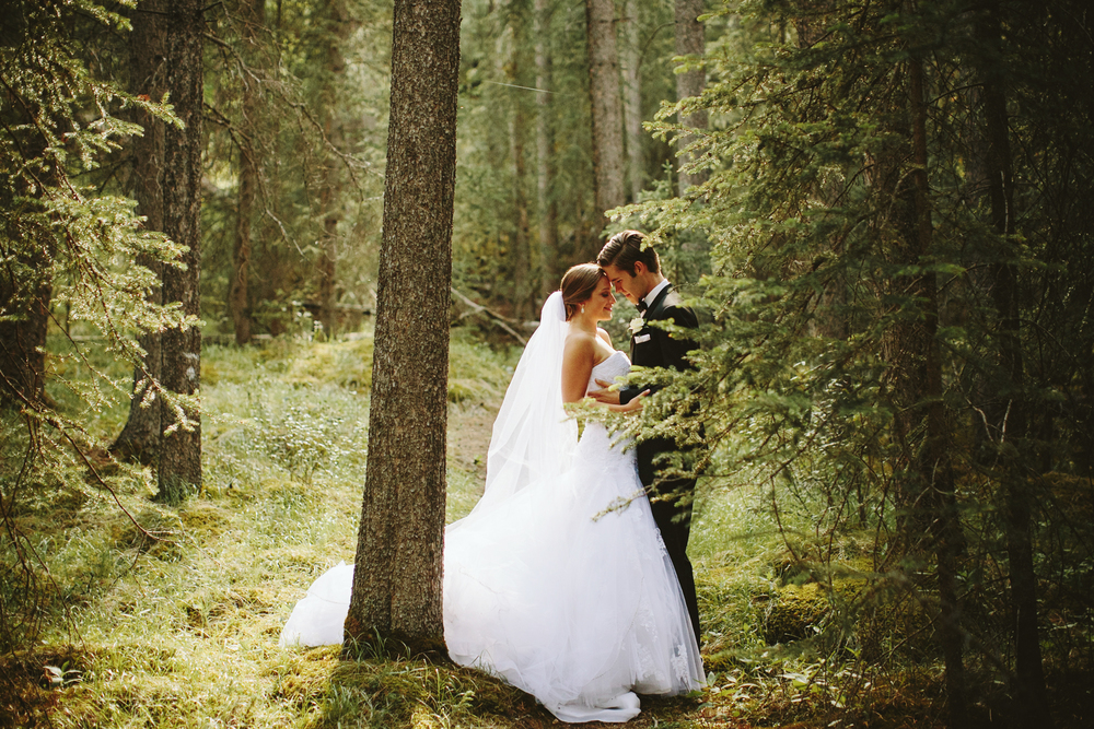 Banff Wedding Photographer, Wedding Portraits in the Woods