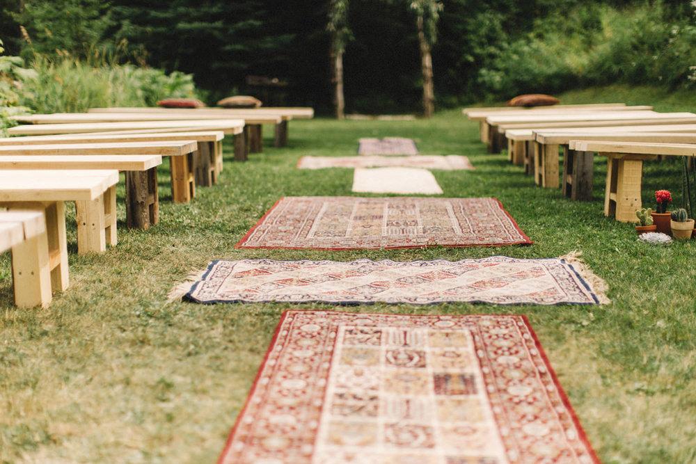 boho chic wedding, persian rugs, persian rug aisle