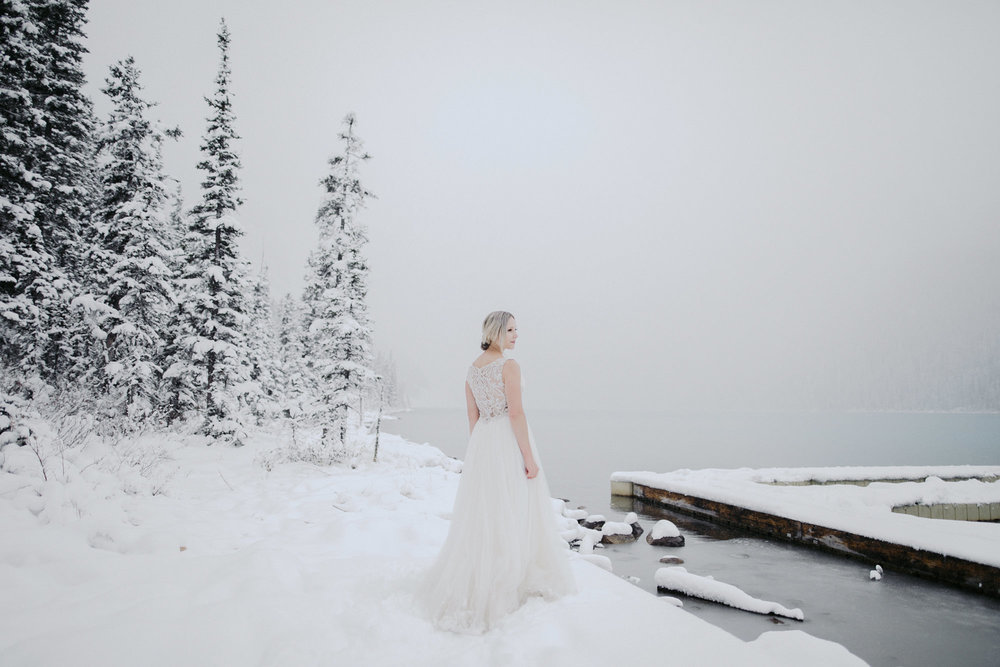 Lake Louise Winter Wedding -05.JPG