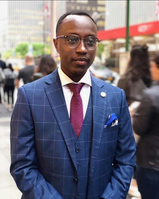 @benitan93 serving looks with his pocket square in the Big Apple! #newyork #pocketsquare #suitandtie #mensfashion #mensaccessories #fashion #flareandsquare #2018