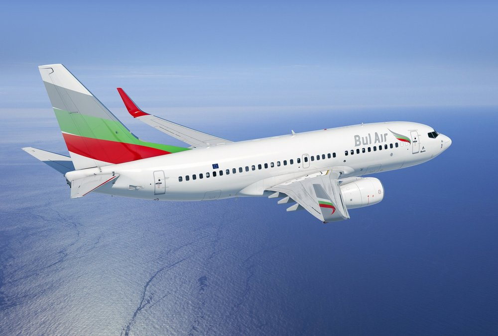 B737-800 NG -  планиран    Максимална скорост: 834 км/ч  Максимална полетна височина: 12 500 м  Обхват: 5500 км- 6000 км