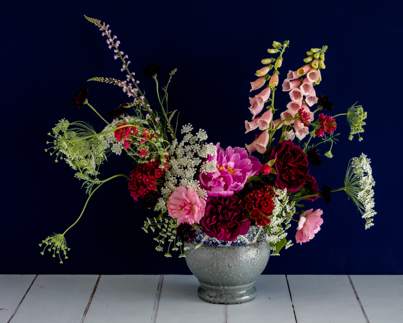 Same settings, 3 image HDR. Look at the extra detail in the dark roses.