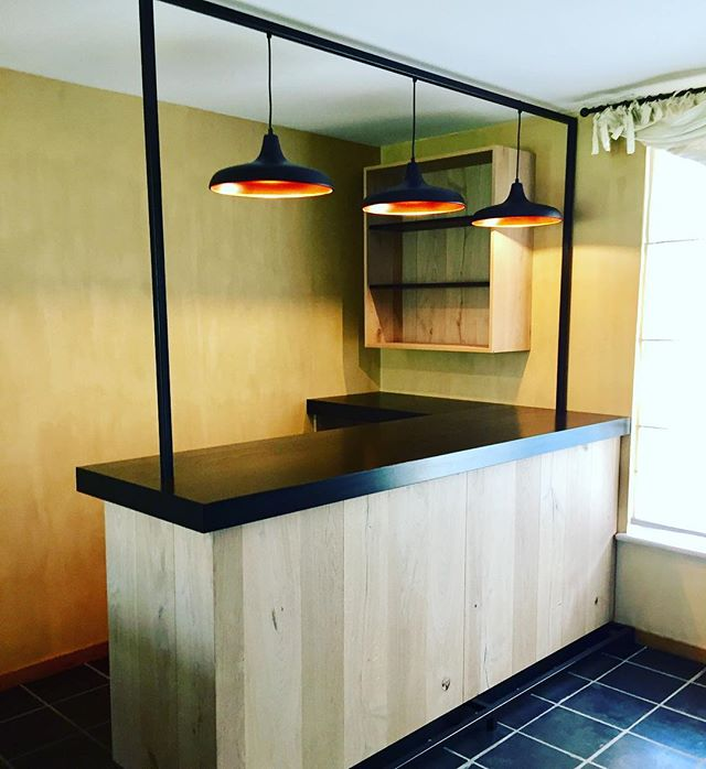 Apero time! #N14design #awesomefurniture #oakveneer #lackeredoak #inhousewelding #philipslights