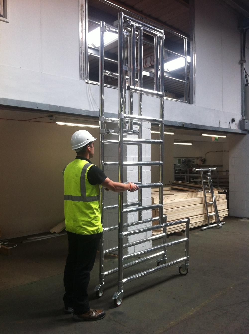Aluminium podium | aluminium scaffolding | euro towers | stepfold podium 3
