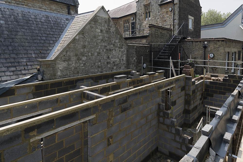 04 construction.jpg