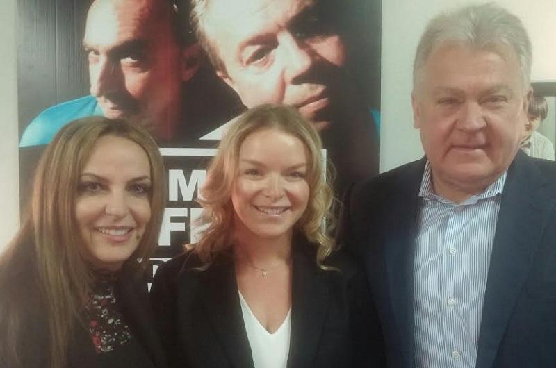 From left to right: Paula Festas (SVP Digital Sales, Postmedia), Sonya Meloff (STA and GCSC Co-Founder), John Howlett (President, Bunzl)