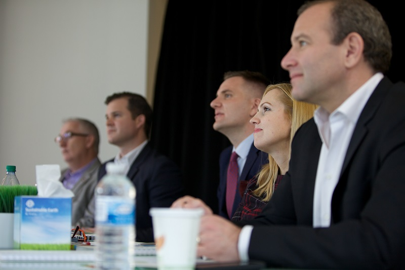 GCSC 2015 Judges (from left to right): Duncan Bureau (VP Global Sales, Air Canada), Chris Adamkowski (Head of Industry, Google), Jamie Scarborough (Co-Founder, Sales Talent Agency), Erin Elofson (Director of Auto and Financial Services, Facebook) and Michael Back (CEO, HonkMobile)
