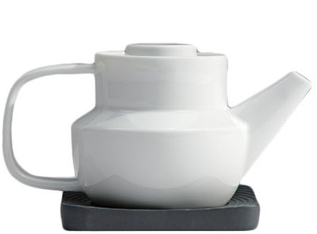 Huellas Set 1 Martínez Fayó,  Ortiz Ferrer Model Ideas Collection White Glazed Black Unglazed Porcelain