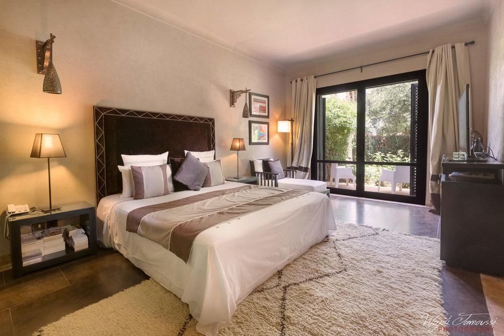 room-lux.jpg