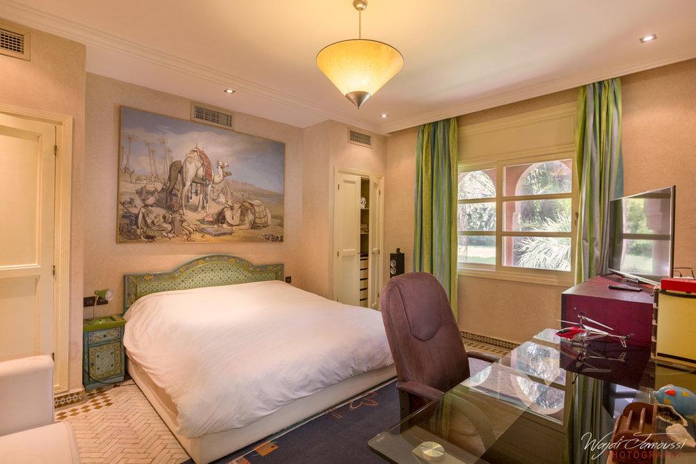 vintage_bedroom.jpg