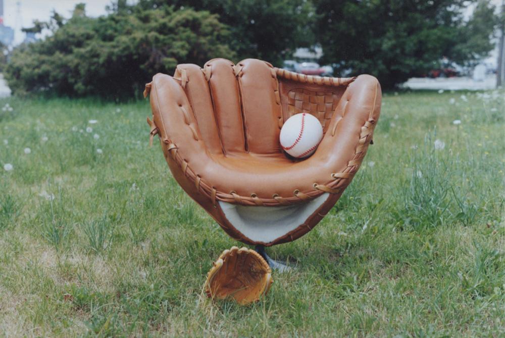 glove-chair2.jpg