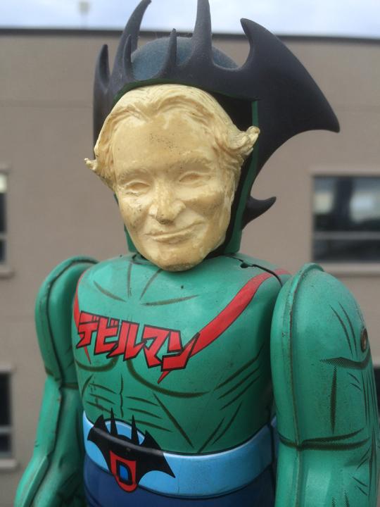 Death to Smoochy (2002)- 'Robin Williams Doll'