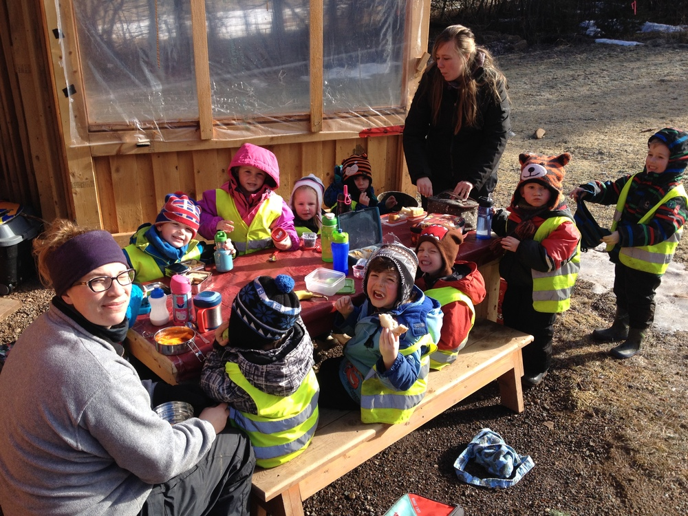 The Sussex Forest Explorers enjoying lunch in the sun!