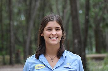 Alessia Pecchio estudiante de Fotografía en Miami Arts Charter Schools. Es campista de Guaikinima desde los 6 años hasta CIT. En 2016 logro certificarse como guía y estuvo encargada de las fotografías de todos los campistas.