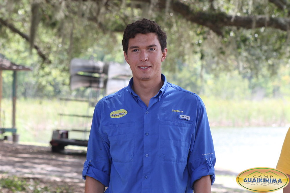 Franco Lupoli estudiante de Psicologia en Nova Southeastern University y es staff de Guaikinima luego de certificarse como guía en 2015. Comenzó como guía de natación en Guaikinima Day Camp y en 2016 guia de la temporada sleepaway.