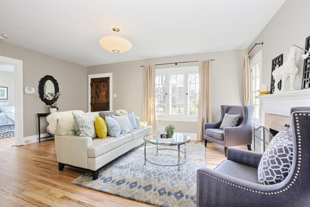 Living Room 3(1).jpg