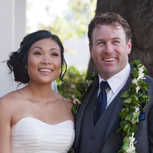 Vizcaya-Inn-Sacramento-Hawaii-San-Francisco-Napa-Blush-Wedding-Makeup-and-hair-Red-Cart-Photography
