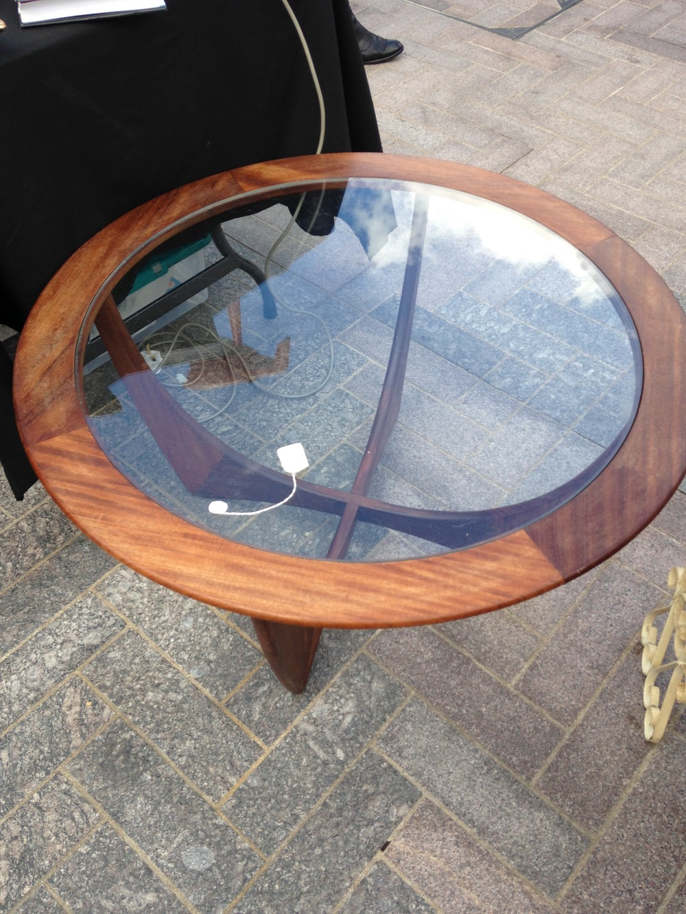 I was very, very tempted by this gorgeous coffee table - if only I had the space!