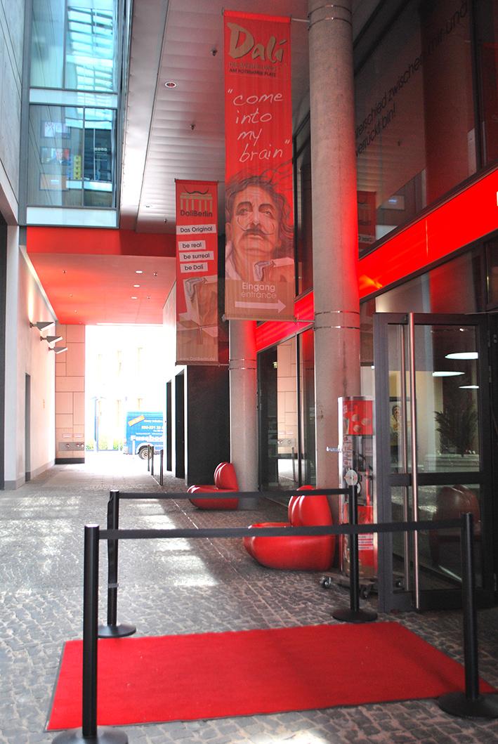 Berlin Dali Exhibition Entrance