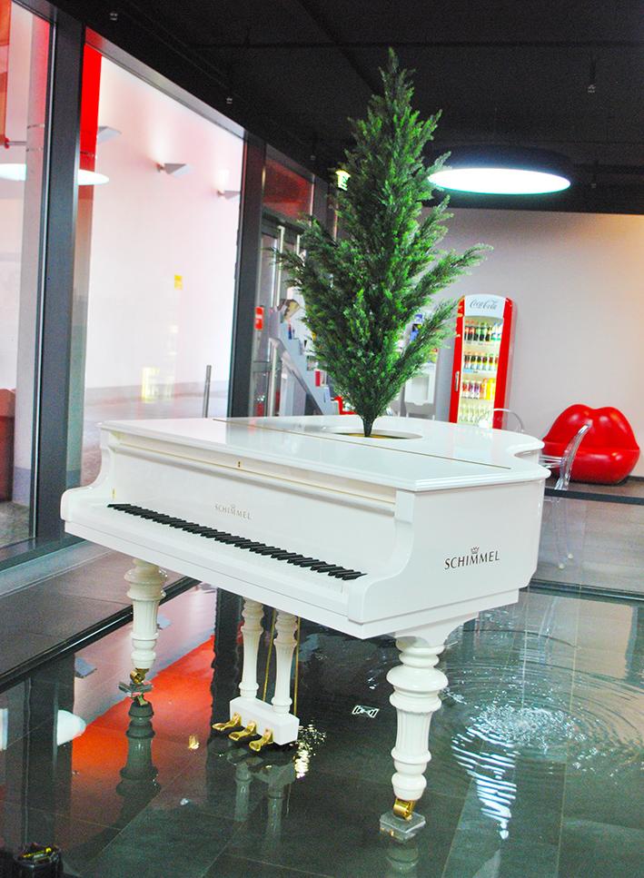 Berlin Dali Piano