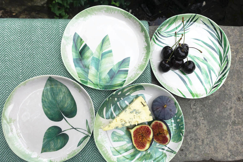 I love how each plate has a different leaf design. Set of four side plates, £14
