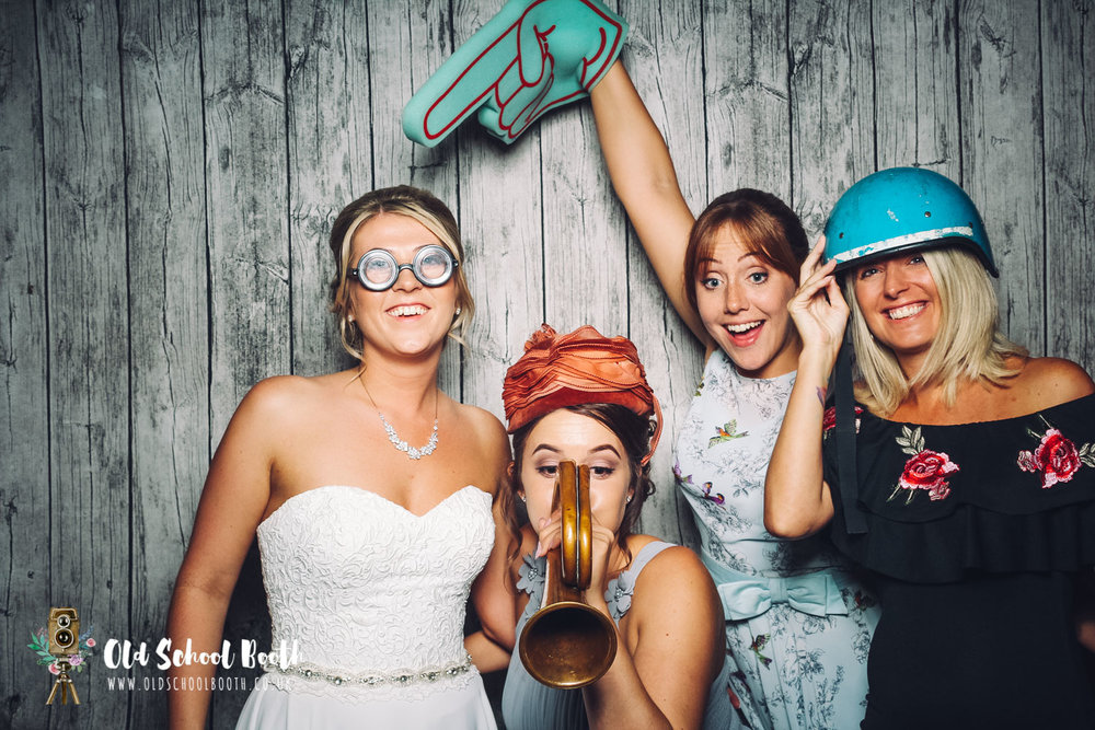 wedding vintage photo booth