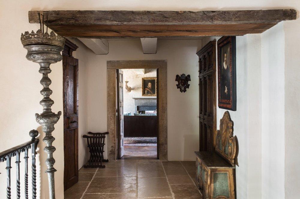 Corridor-1712.jpg