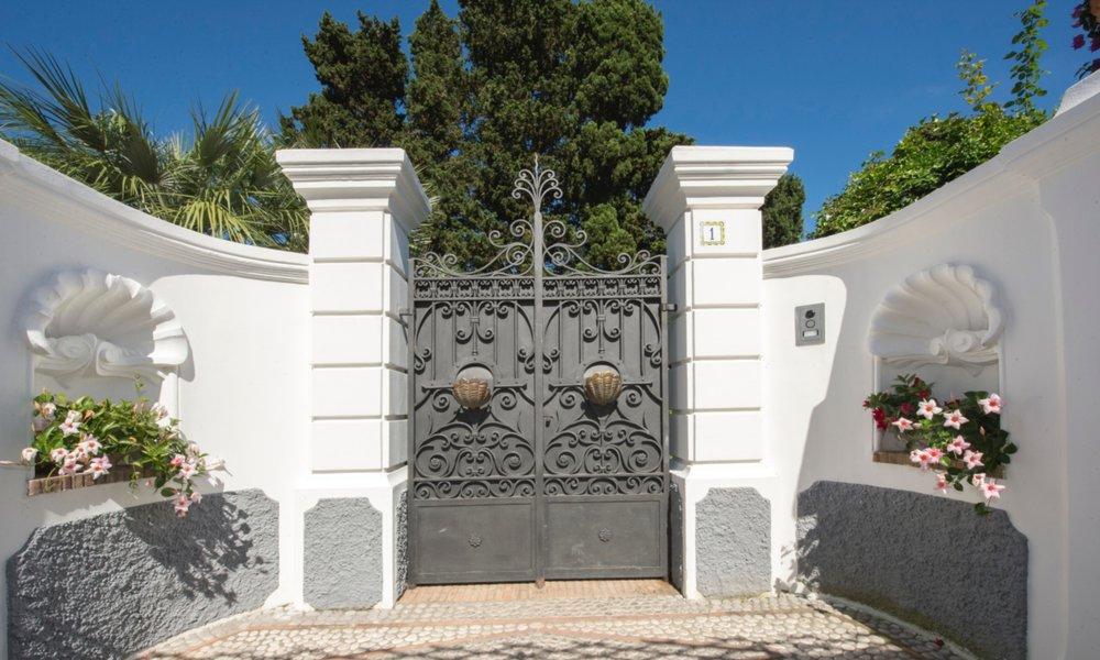 Entrance_3451.jpg