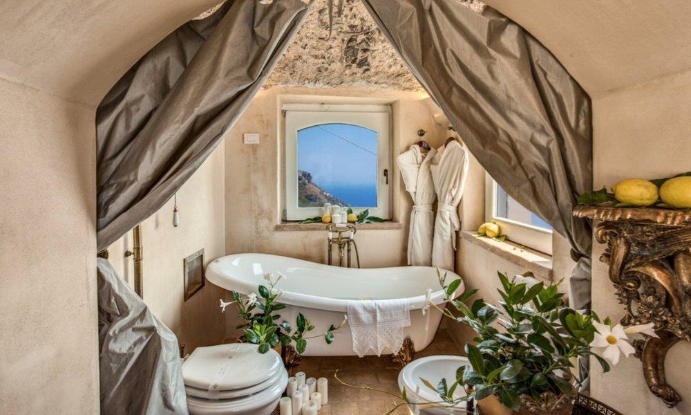 BedroomMaster01-Bathroom09.jpg