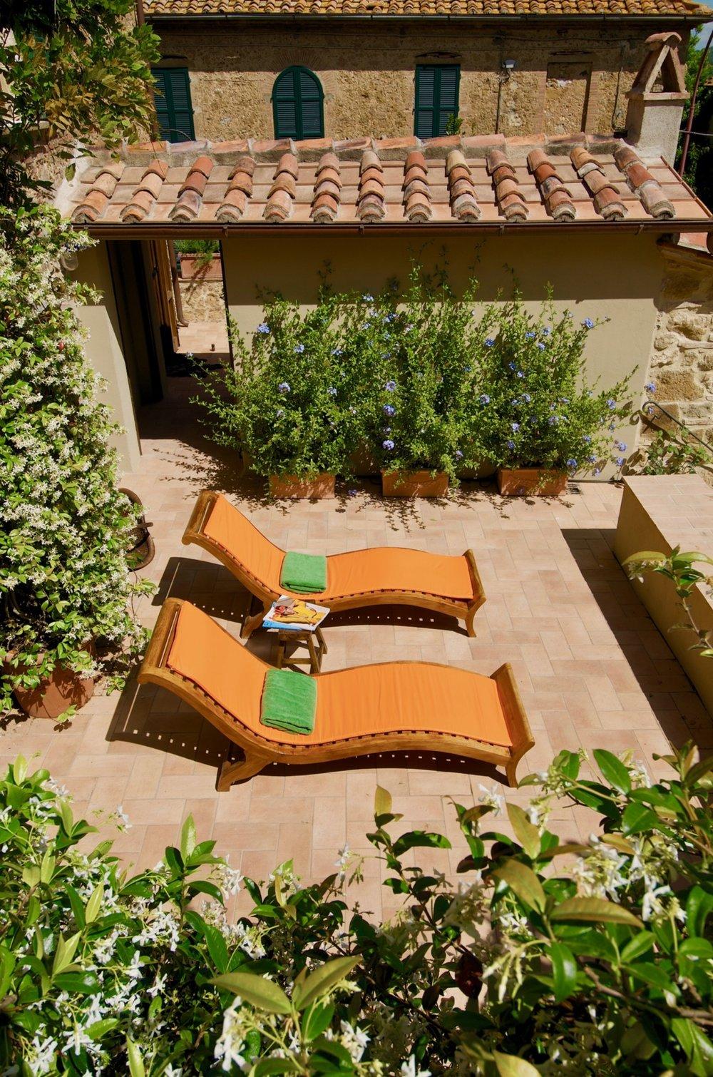 Terrace_02.jpg