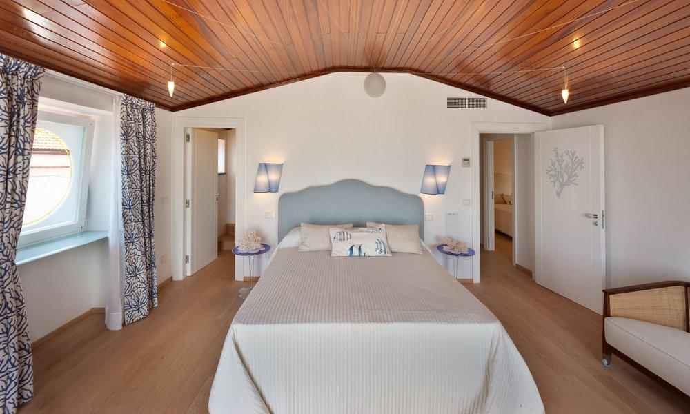 VillaBedroom-11.jpg