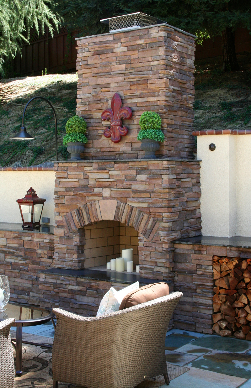 Country-Drive-Coronado-Stone-Fireplace-2-SM.jpg