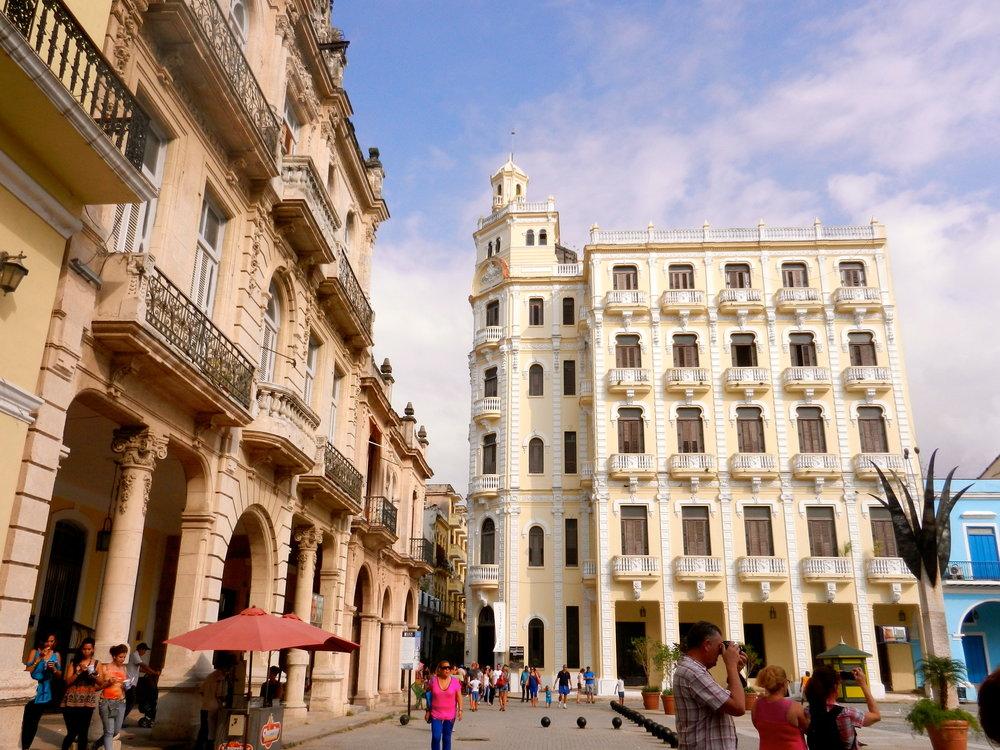 Plaza Vieja, Habana Vieja