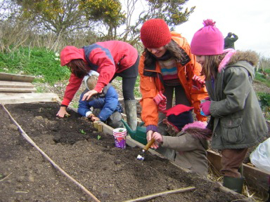 Lewes Community Allotment young family for web.jpg