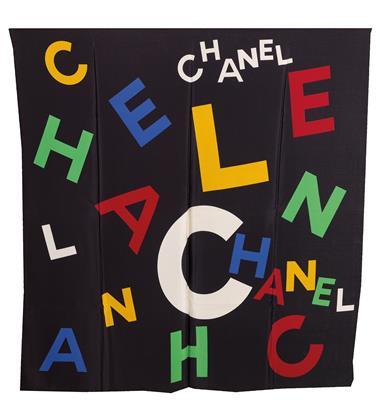Chanel-Tuch,-1.jpg