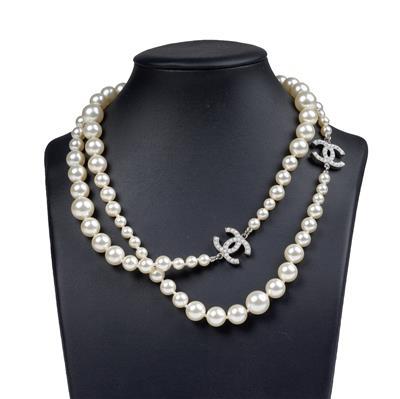 Chanel-Halskette.jpg